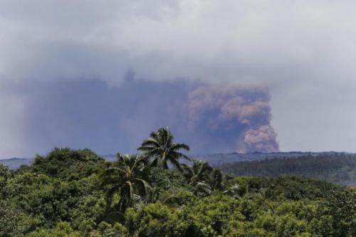 Động đất rung chuyển đảo Hawaii hôm 4/5. Ảnh: AP.