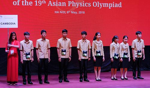 Các đội thi đến từ 25 quốc gia, vùng lãnh thổ tham dự kỳ thi Olympic Vật lý châu Á 2018. Ảnh: Quỳnh Trang.