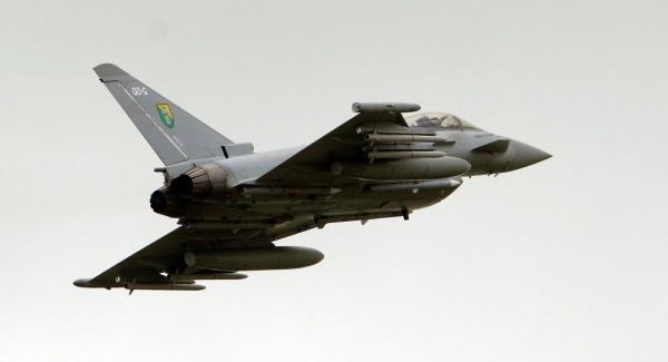 Máy bay Typhoon của Anh. Ảnh: AP.