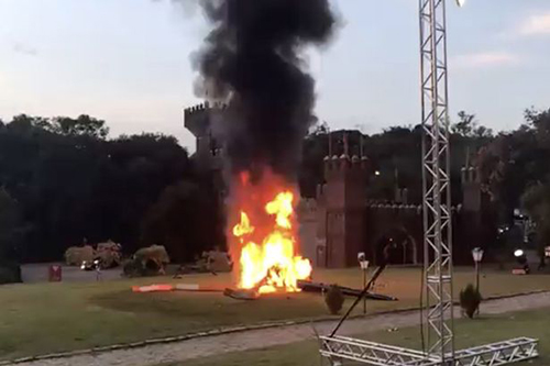 phát nổ rồi bốc cháy ngùn ngụt