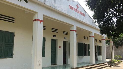 Trạm Y tế xã Ninh An nơi bàLan công tác đang phối hợp với cơ quan chức năng làm rõ vụ việc. Ảnh: L.S