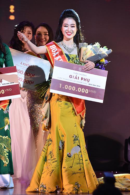 Nữ sinh Khoa Truyền thông trở thành Miss Ngoại giao