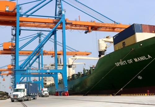 Cảng nước sâu Nam Đình Vũ 6000 tỷ vừa được Hải Phòng chính thức đưa vào khai thác, góp phần giải phóng lượng hàng hóa xuất nhập khẩu qua hệ thống cảng biển Hải Phòng. Ảnh: Giang Chinh