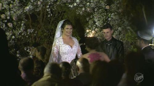 Cô dâu và chú rể vẫn tổ chức lễ cưới sau tai nạn. Ảnh: EPTV