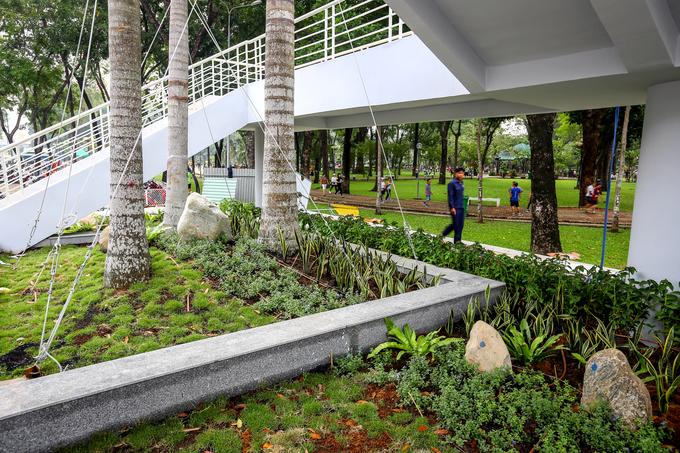 Cầu bộ hành hơn 11 tỷ đồng trong công viên lớn nhất TP HCM