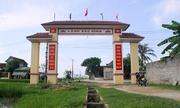 Cổng làng 76 triệu đồng xây phía trên mương nước