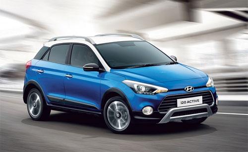 Mẫu hatchback phiên bản nâng cấp có thêm tùy chọn sơn ngoại thất hai tông màu xanh-trắng.