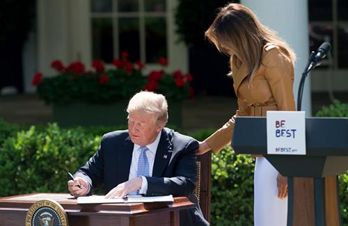 Tổng thống Trumptuyên bố công bố ngày Be Best