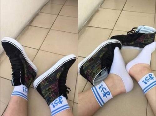 Giải pháp cho những người vừa thích mang tất hình, vừa thích giày cổ cao.