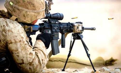 Súng M27 được tháo ống giảm thanh. Ảnh: USMC.