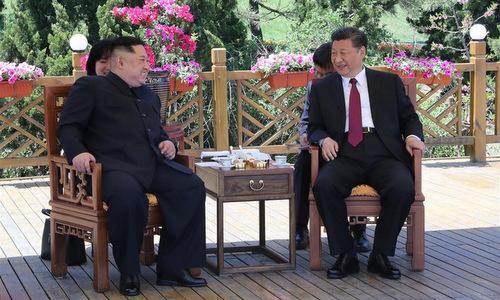 Lãnh đạo Triều Tiên và Chủ tịch Trung Quốc gặp nhau tại Đại Liên. Ảnh: Reuters.