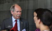 Giáo sư đoạt giải Nobel: Nên đầu tư khoa học cho người trẻ