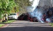 Dung nham núi lửa Hawaii tràn qua đường 'nuốt chửng' ôtô