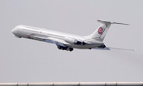 Chuyên cơ chởlãnh đạoTriều Tiên cất cánh rời sân bay Đại Liên hôm 8/5. Ảnh: AP