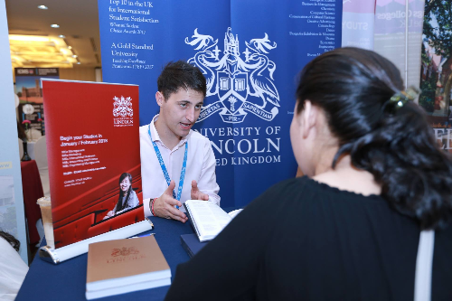 Phỏng vấn học bổng 5.000 GBP từ Đại học Lincoln