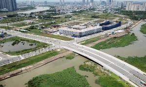 Bốn tuyến đường 12.000 tỷ ở Thủ Thiêm vẫn ngổn ngang sau 5 năm