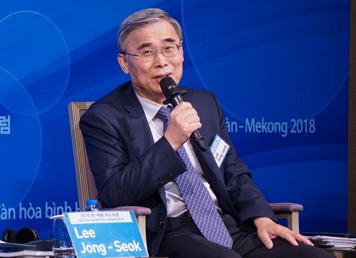 Ông Lee Jong-seok, cựu Bộ trưởng Thống nhất Hàn Quốc,