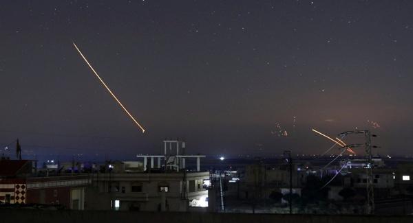 Tên lửa tại Daraa, Syria hôm 10/5.