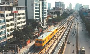 Bộ trưởng Giao thông trải nghiệm tàu đường sắt Cát Linh - Hà Đông