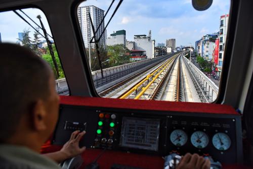 Bộ trưởng Giao thông cho rằng, tuyến đường sắt Cát Linh - Hà Đông sẽ vận hành tốt khi đi vào hoạt động. Ảnh: Giang Huy.