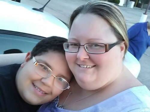 Tiffany Lynn Elfstrom và con trai. Ảnh:Tiffany Lynn Elfstrom