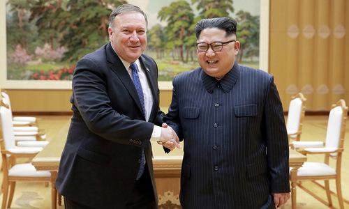 Ngoại trưởng Mỹ gặp lãnh đạo Triều Tiên tại Bình Nhưỡng hôm 9/5. Ảnh: Reuters.