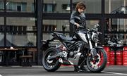 Honda giới thiệu CB125R - môtô nhỏ giá 5.400 USD