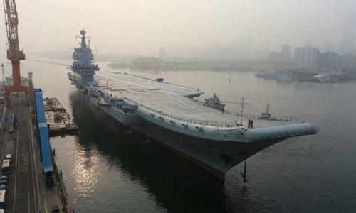Type 001A rời cảng Đại Liên để chạy thử trên biển. Ảnh: Weibo.