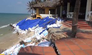 Cả chục resort ở Mũi Né tan hoang vì bờ biển sạt lở