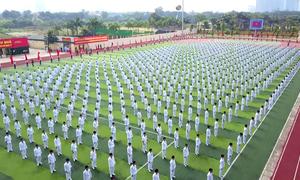 1.000 học viên cảnh sát đồng diễn võ thuật