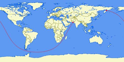 Đường màu đỏ trên tấm bản đồ này nhìn rõ ràng là đường cong, nhưng trên thực tế chúng hoàn toàn là một đường thẳng.