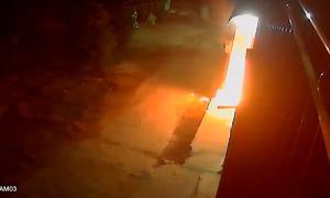 Ba thanh niên ném bom xăng vào nhà dân ở Đồng Nai