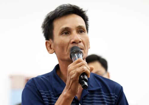 Nhiều cử tri ở xã Lê Minh Xuân bày tỏ bức xúc về dự án khu đô thị Sing - Việt. Ảnh: Thiên Ngôn.