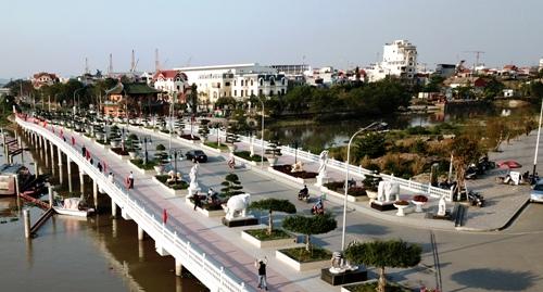 Sông Tam Bạc được Hải Phòng đầu tư 1454 tỷ đồng cải tạo, chỉnh trang để làm phố đi bộ vào năm 2020. Ảnh: Giang Chinh