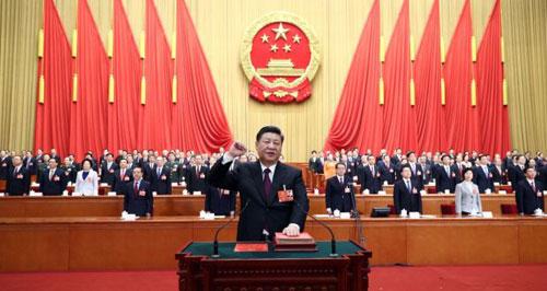 Ông Tập Cận Bình tuyên thệ sau khi tái đắc cử Chủ tịch Trung Quốc. Ảnh: AP.