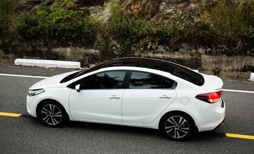 Cerato phiên bản SMT giá 499 triệu đồng là sự lựa chọn hợp lýcho khách hàng mua xe lần đầu.
