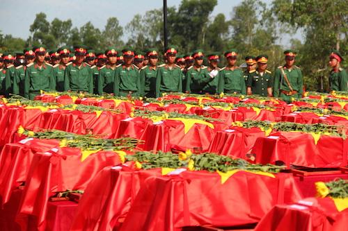 98 hài cốt liệt sỹ được an táng tại nghĩa trang Nghi Lộc hôm nay.