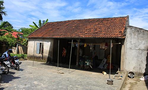 Ngôi nhà của vợ chồng ông Hoàng Văn Vinh ở xóm Yên Xuân, xã Võ Liệt. Ảnh: Nguyễn Hải.