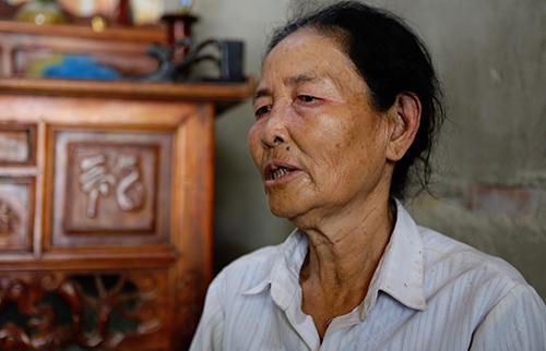 Bà Nguyễn Thị Lý (mẹ chị Yến) nói không ngăn con gái trở lại Trung Quốc. Ảnh: Nguyễn Hải.