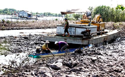 Khu vực đất công do xã Rạch Chèo quản lý được chủ tịch xã cho thuê sai quy định. Ảnh: Phúc Hưng.