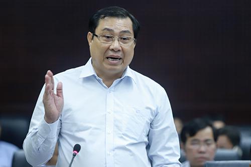 Chủ tịch UBND TP Đà Nẵng Huỳnh Đức Thơ phát biểu tại chương trình HĐND với cử tri. Ảnh: Nguyễn Đông.