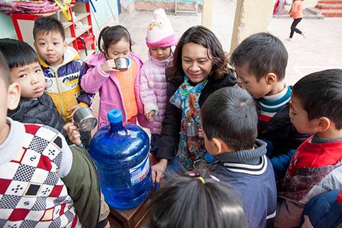Chị Khanh thường xuyên tham gia các dự án cộng đồng và luôn trăn trở phải làm gì đó để phát triển năng lượng bền vững. Ảnh: Greenid.