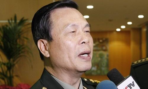 Thái Anh Đĩnh trả lời truyền thông Trung Quốc năm 2012. Ảnh: Xinhua.