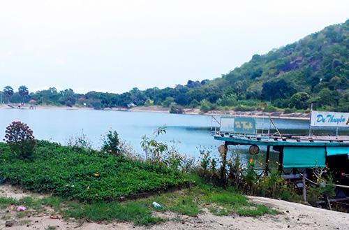 Khu du lịch Soài So của gia đình Bí thư huyện Tri Tôn đầu tư, kinh doanh khi chưa hoàn tất các thủ tục pháp lý. Ảnh: Phú An