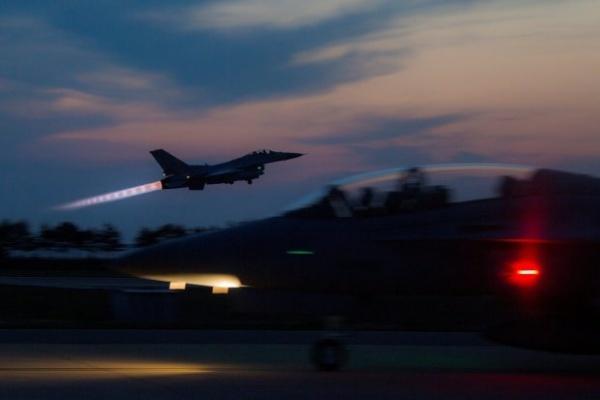Máy bay Hàn Quốc cất cánh trong cuộc tập trận chung Max Thunder với Mỹ hồi năm ngoái. Ảnh: AP.