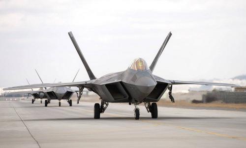 Tiêm kích F-22 Mỹ tham gia Max Thunder 2017. Ảnh: USAF.