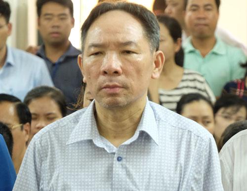 Bị cáo - cựu phó giám đốc Sở Nông nghiệp Hà Nội Phan Minh Nguyệt khi nghe tòa tuyên án.