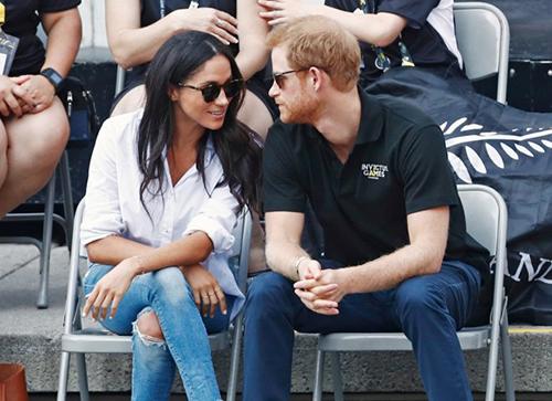 Harry và Meghan trong lần đầu xuất hiện cùng nhau trước công chúng vào tháng 9/2017. Ảnh: Reuters