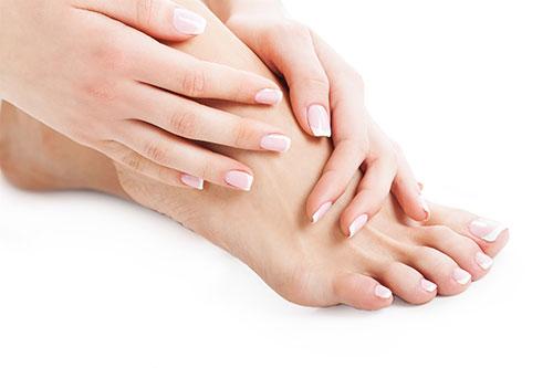 , thường bị tê chân nếu lỡ ngồi ở một tư thế không thoải mái
