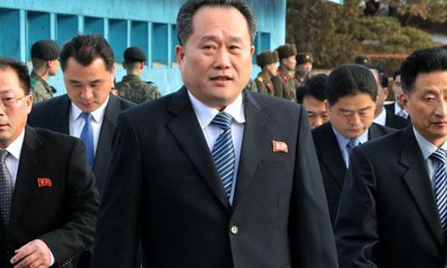 Chủ tịch Ủy ban Thống nhất Hòa bình của Triều Tiên Ri Son-gwon tại hội nghị thượng đỉnh liên Triều ngày 27/4. Ảnh: AP.